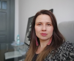 Dominika Kalabinska - polski psychoterapeuta